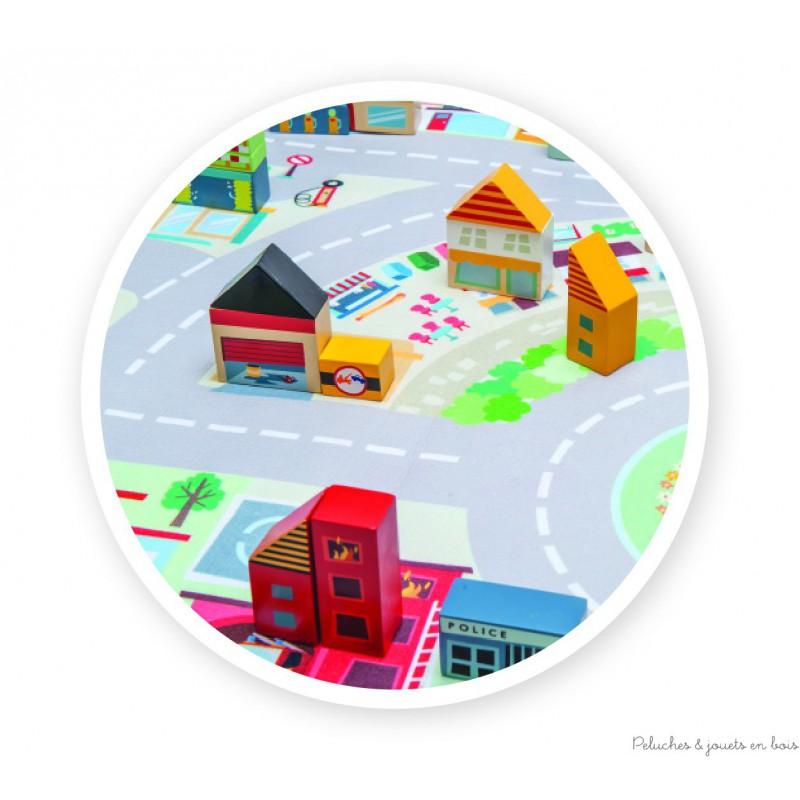 Jouer aux petites voitures en bois dans l 39 univers de jeu - Nettoyer un tapis avec de l ammoniaque ...