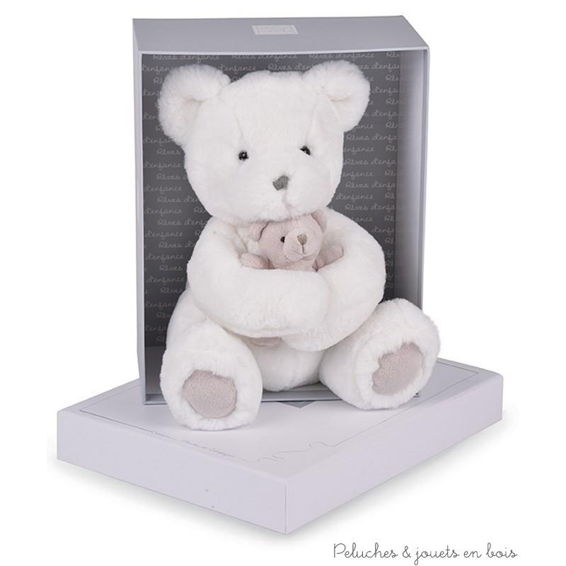 Dans la collection ours Douillet, une maman ours ivoire de 25 cm et son bébé de la marque Histoire d'Ours. De générations en générations la grande tradition des ours en peluche de qualité se perpétue. A partir de 0m+