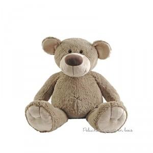 L'ours Bello de 60 cm de la marque Happy horse permet de satisfaire les désirs de tous, du cadeau de naissance au coup de coeur, il décorera la chambre des plus petits et séduira les plus grands.