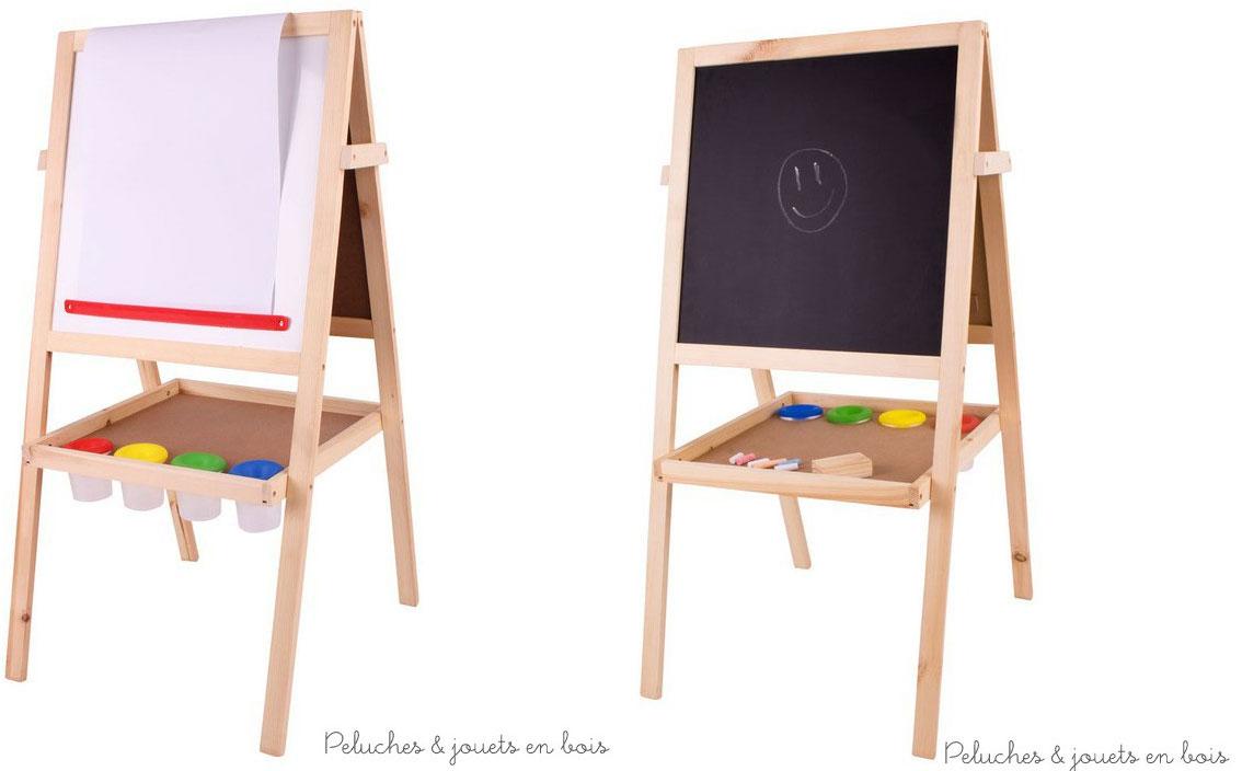 Un tableau double face en bois avec une face tableau noir, une face blanche magnétique effaçable à sec et un dérouleur avec papier de la marque Bigjigs Toys. Pratique il est équipé d'un plateau central équipé de 4 pots en plastique pour contenir peintures, craies, ou stylos. A partir de 3 ans+