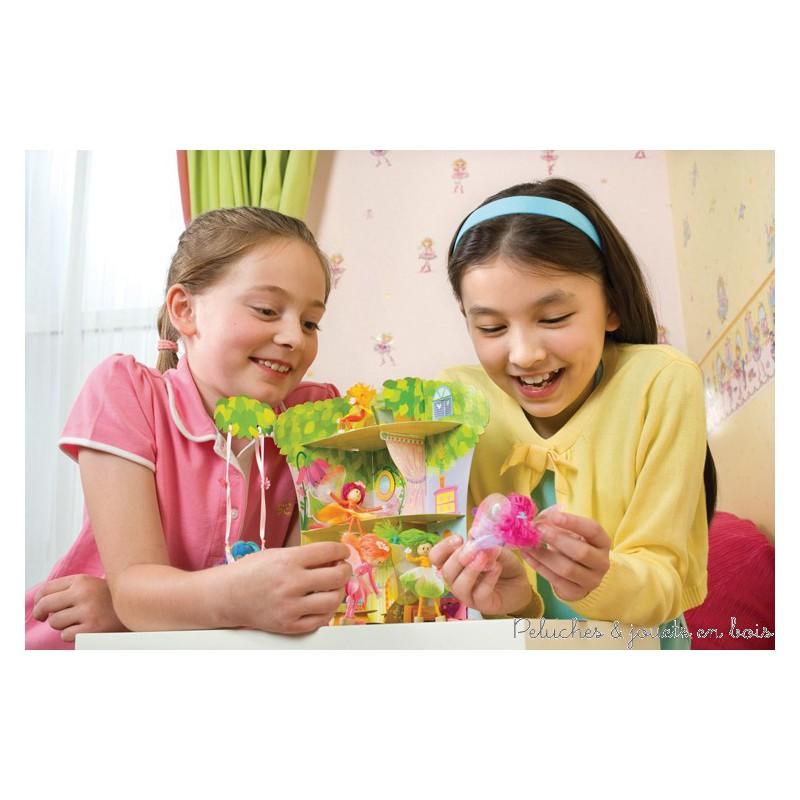 Un kit complet pour créer tes propres petites fées ainsi qu'une maison en carton pour les abriter et jouer. Ce pays des fées sera une très jolie décoration pour ta chambre également. Normes CE