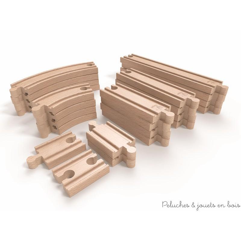 Dans la gamme Trains en Bois de la collection Hape, Un ensemble d'extension de rails droits et courbes de 24 pièces de grande qualité, compatible avec les circuits de trains en bois des autres grandes marques. Parfait pour donner une autre dimension et agrandir ton circuit de train existant. A partir de 3 ans+