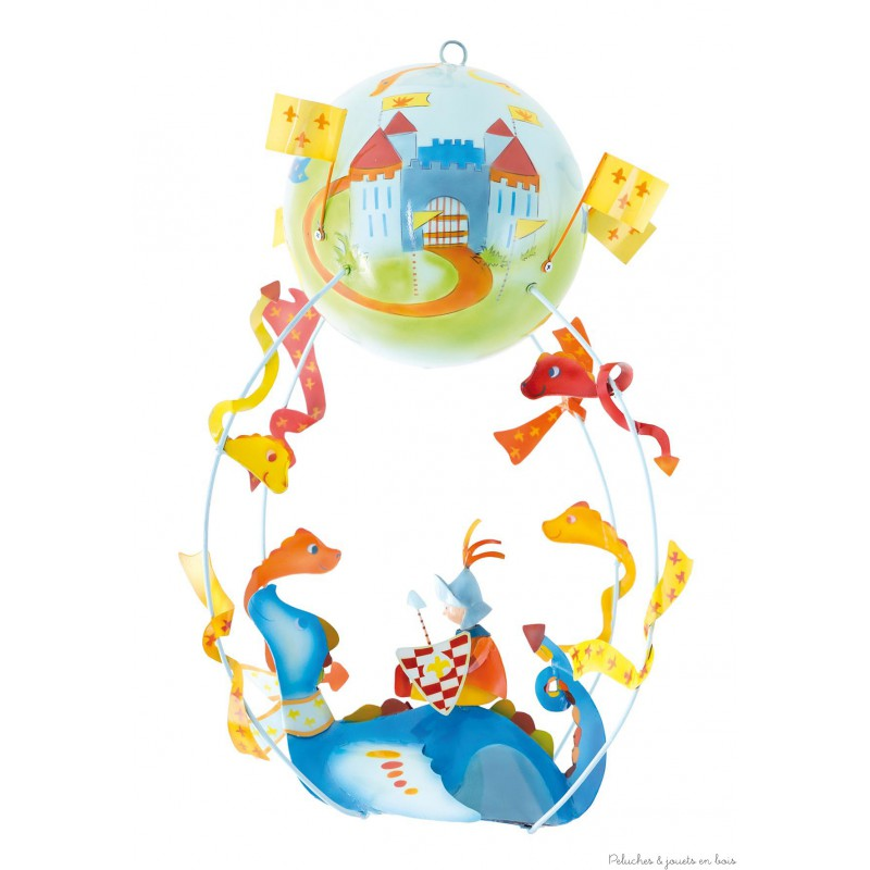 Ce mobile Gros Z'énormes à suspendre sur le thème Dragon est très original et plein de charme. Signé de la marque L'oiseau bateau, ce mobile de décoration en métal séduit les tout-petits, les enfants comme leurs parents. Une idée parfaite de cadeau de naissance ou pour fêter un anniversaire, pour décorer ou redécorer la chambre de bébé ou la chambre de son enfant. A partir de 0 mois+