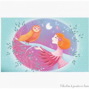 Un très joli coffre musical avec tiroir et boîte à bijoux hibou de la marque Ulysse Couleurs d'Enfance au design poétique de la créatrice Leila Brient. A partir de 3 ans+
