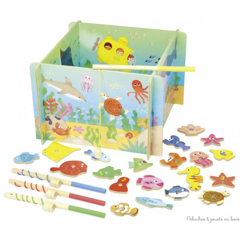 Grand jeu de pêche magnétique en bois 28 pièces dont 4 cannes à pêche et 4 pans pour fabriquer le bac. Il sera très amusant de jouer à pêcher des poissons. Dimensions du bac : 32 x32 x 21cm. Normes CE