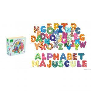 Découvre en t'amusant les lettres majuscules avec ce jeu magnétique en bois. Dimensions du packaging 15 x 14 x 6 cm. Normes CE.