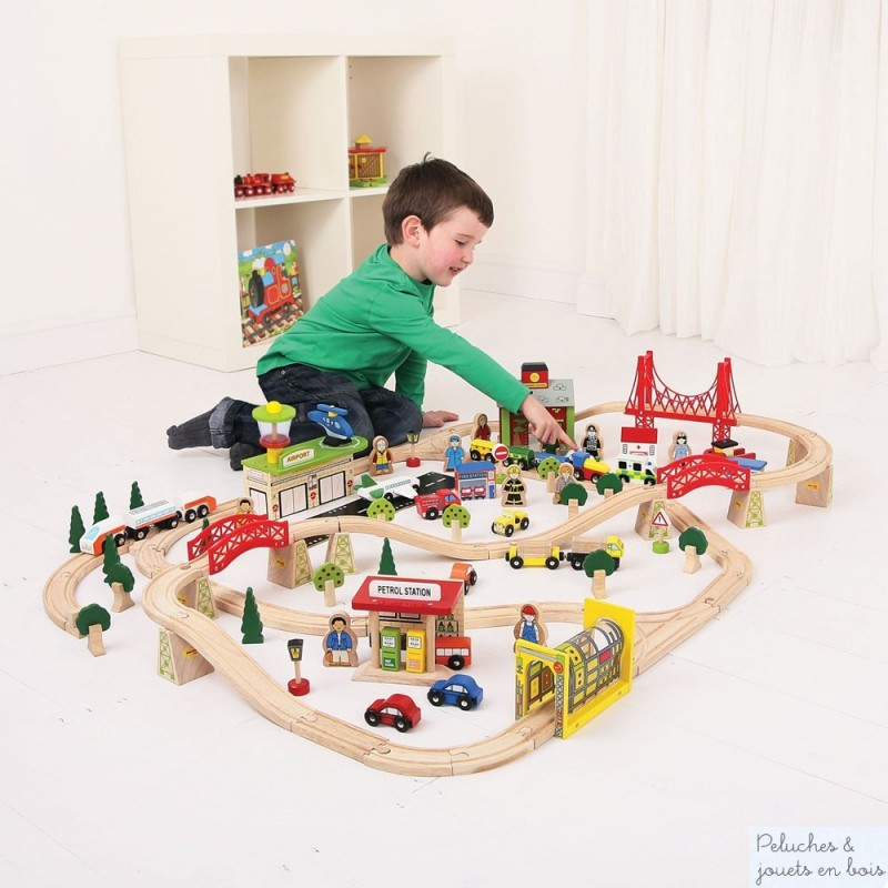 grand circuit de train en bois bigjigs train compatible brio hape ik a. Black Bedroom Furniture Sets. Home Design Ideas