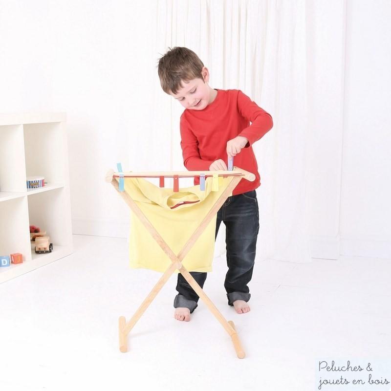 jouet d 39 imitation en bois tendage avec pinces linge. Black Bedroom Furniture Sets. Home Design Ideas