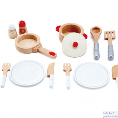 Dinette en bois blanc et accessoires de cuisine Hape E3150