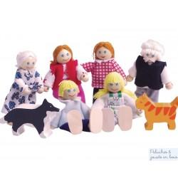 Famille de 6 poupées souples en bois + chat et chien