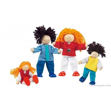 Famille branchée, 4 poupées articulées