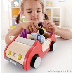 Voiture familiale en bois pour poupées articulées