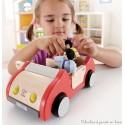 Voiture familiale en bois pour poupées articulées Hape