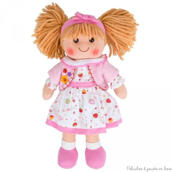 Béa une poupée de chiffon très câline de la marque Bigjigs