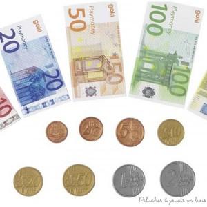 Argent factice pour jouer avec la caisse pour l'épicerie lot de 84 billets de banque et 32 pièces de monnaie papier et plastique. Taille des billet 6 x 3,1 cm à 8 x 4,1 cm diamètre des pièces 1,5 à 2 cm Normes CE