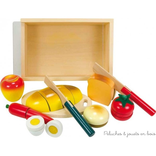 Un petit-déjeuner à découper en bois de la marque Ulysse Couleurs d'Enfance. A partir de 18 mois +