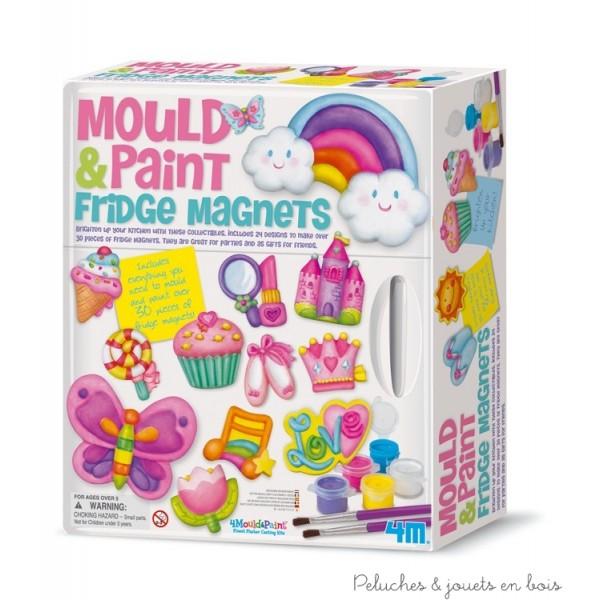 CréaKit de moulage de magnets de frigo contient 24 formes de moules différents, plâtre, peintures, brosses, aimants, broches, et des instructions détaillées. ce kit contient de quoi réaliser plus de 30 pièces de magnet de frigo. Dimensions de la boîte 26.5 x 23 x 7,7 cm. Normes CE
