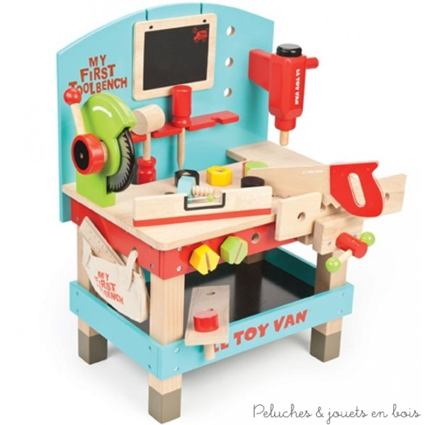 Un premier atelier de bricolage bien équipé avec de nombreux outils en bois de la marque Le Toy Van. A partir de 3 ans+