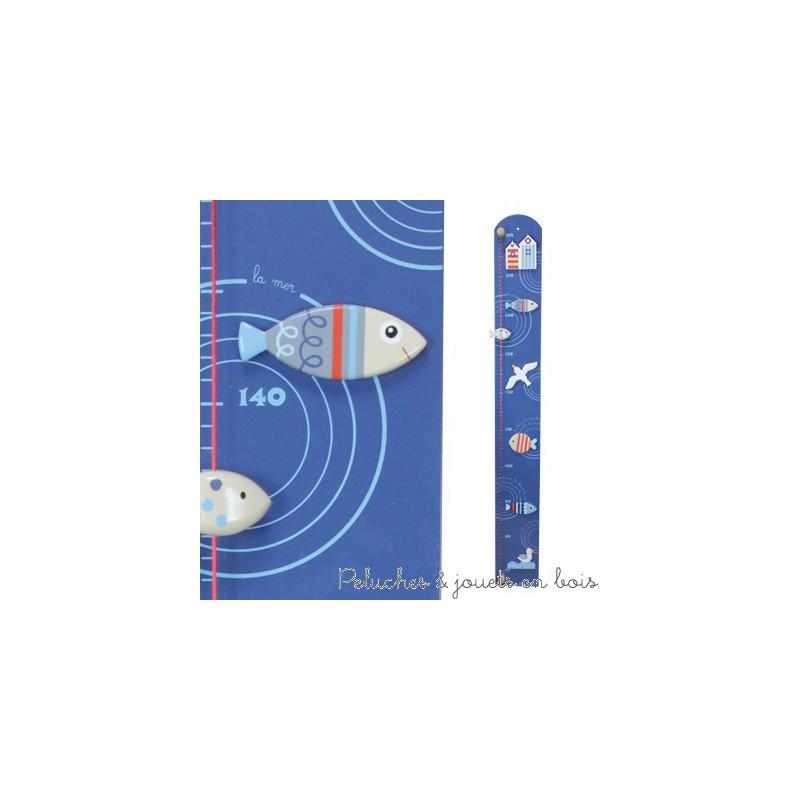 Cette Toise couleur thème bord de mer de la marque Le Coin des enfants permet de mesurer les enfants de 70 cm à 1.60 m. C'est aussi une idée de cadeau de naissance pour décorer la chambre de bébé.