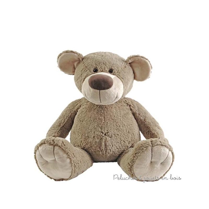 L'ours Bello est une grande peluche issu d'une collection moderne et d'une grande douceur reconnue aussi pour sa sécurité. Il ne demande qu'à être touché et cajolé pour la joie de tous. Lavable à 30°. Normes CE.