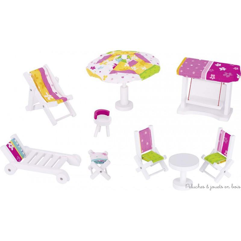 Meubles de salon de jardin pour maison de poupées en bois de hêtre peint aux couleurs Susibelle de la marque Goki. A partir de 3 ans+