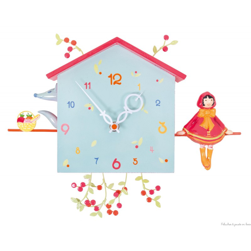 Une horloge murale décorative remplie d'histoires, Alabonneheure le Chaperon Rouge une création signée l'oiseau Bateau. Pour la décoration de chambre d'enfant tous âges.