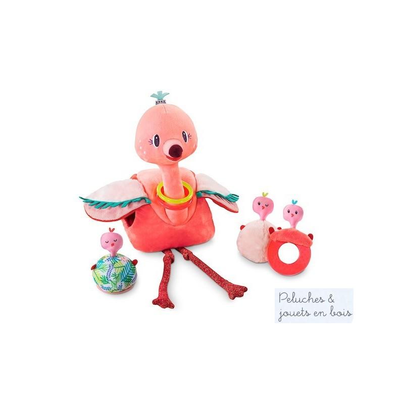 Anaîs l'adorable flamand rose et ses bébés est un jouet polyvalent et stimulant de la marque lilliputiens. Anaîs est accompagnée de ses trois bébés proposant chacun une activité différente et amusante : Un anneau de dentition, un hochet et un miroir. De plus ils produisent un son rigolo. A partir de 6 mois+