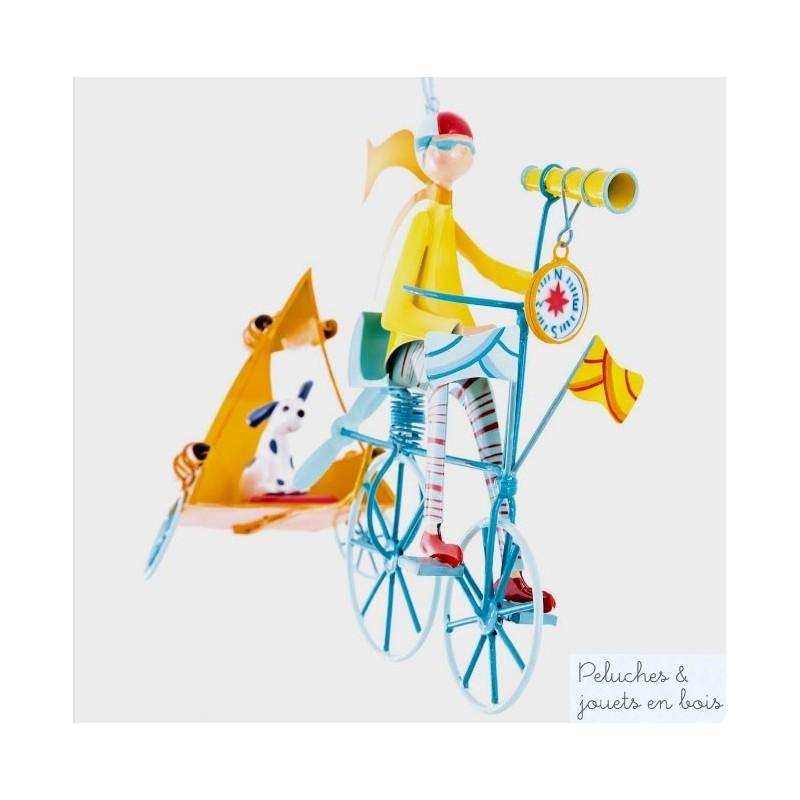 Dimensions pesonnages jusqu'à L 25 x H 25 cm selon les modèles hauteur 43 cm suspendu. Pour décorer la chambre d'enfant avec inspiration ce mobile de métal à suspendre au plafond ouvre la place à l'imaginaire et au sourire. Le personnage vole dans les airs tel une ombre chinoise pour créer dans la chambre un spectacle tourbillonnant et merveilleux qui appele au rêve ou à la reverie.