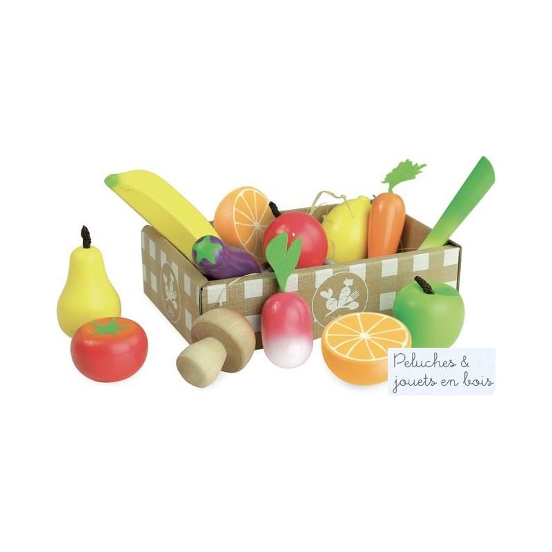 Un ensemble de fruits et légumes jour de marché en bois et textiles dans une cagette en carton épais pour jouer à la marchande, ou à la dinette. A partir de 3 ans+