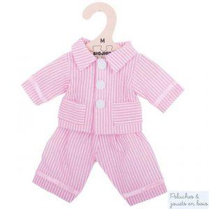 Un ensemble veste et pantalon de pyjama rose de la marque Bigjigs toys pour les poupées de chiffon de 30 cm. Vêtement conçu pour les petits doigts : habit avec des fermetures à scratch. A partir de 2 ans+