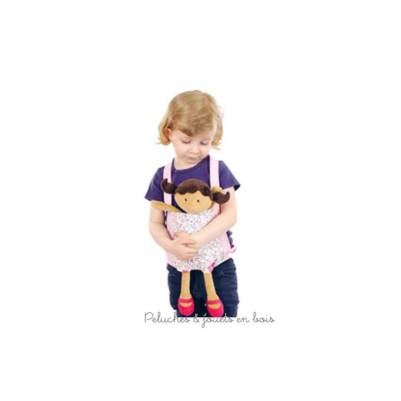 Un porte poupée à petites fleurs de la marque Egmont toys. A partir de 3 ans+