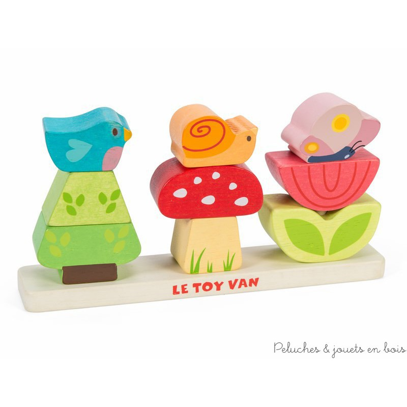 Dans la collection Petilou de la marque Le toy van, un charmant petit jardin empilable de 9 pièces colorées à empiler pour construire le champignon et l'escargot, l'arbre et l'oiseau et la fleur et le papillon. A partir de 1 an+